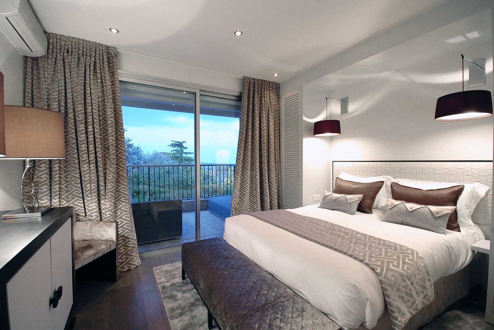 decorateur interieur cannes design d espaces r novation salle d eau design d espaces avec. Black Bedroom Furniture Sets. Home Design Ideas